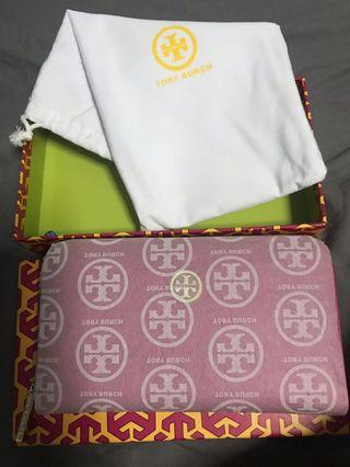 Tory Burch wallet in pink