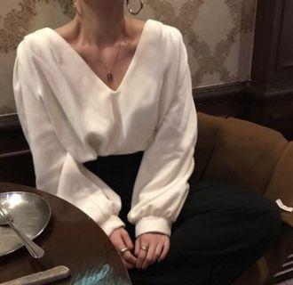 BLACK v neck pullover