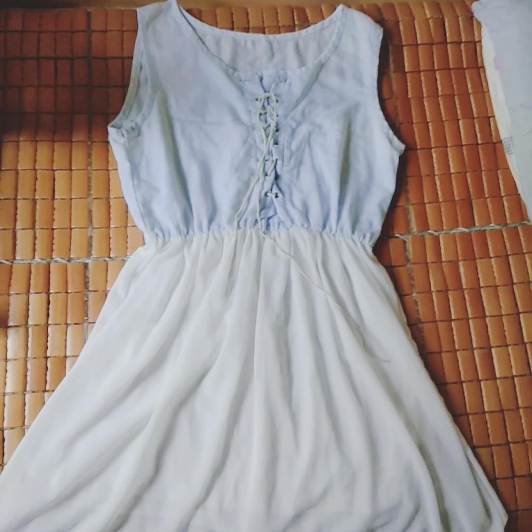 藍白連身裙