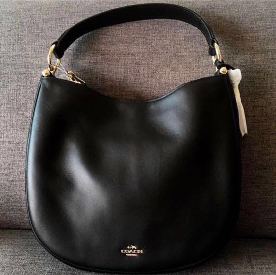 BNIB - COACH Nomad Hobo in Glovetanned Leather (Black)