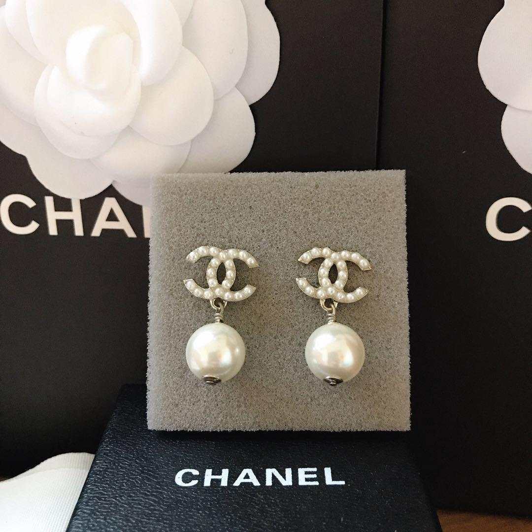 Chanel經典珍珠耳環
