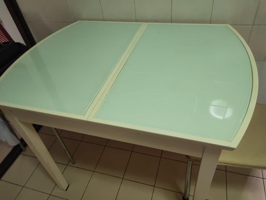 Expandable Dining Table (glass-top)