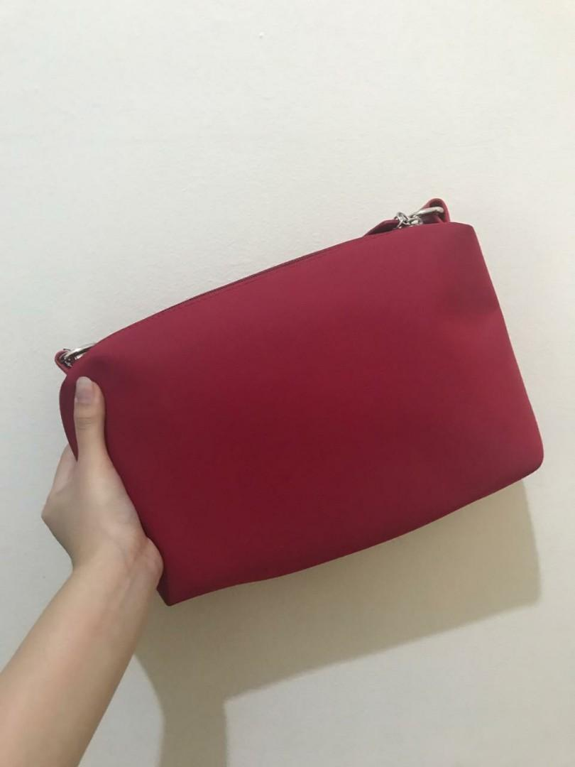LONGCHAMP SLING BAG IN RED