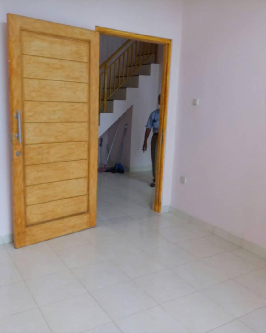 Rumah Minimalis 2 lantai Binong Permai Tangerang siap huni asri Murah