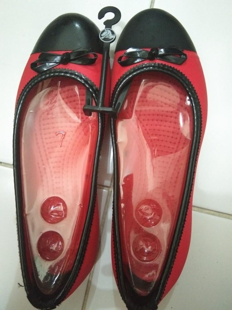 Sepatu CROCS size 39 (8). UKR. 40 JUGA BISA