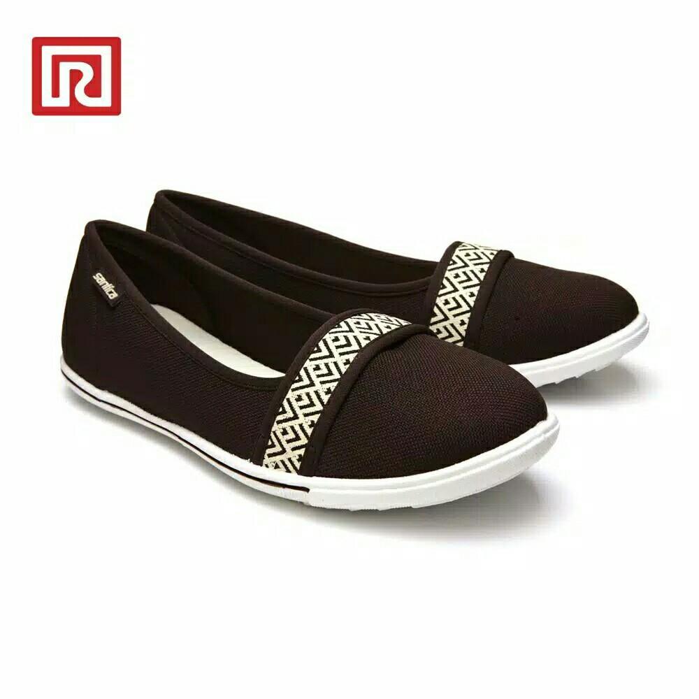 Sepatu ramayana
