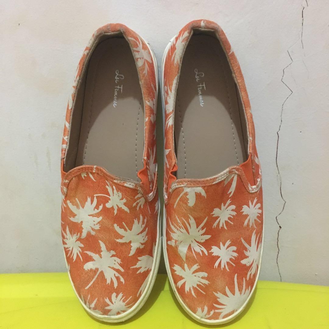 Sepatu slip on les femmes thrift vintage floral #RamadanSale