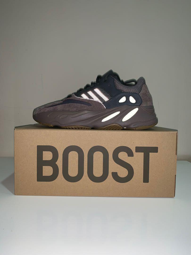 low priced e0a8e d1e44 UK9 / US9.5 adidas Yeezy Boost 700 Mauve