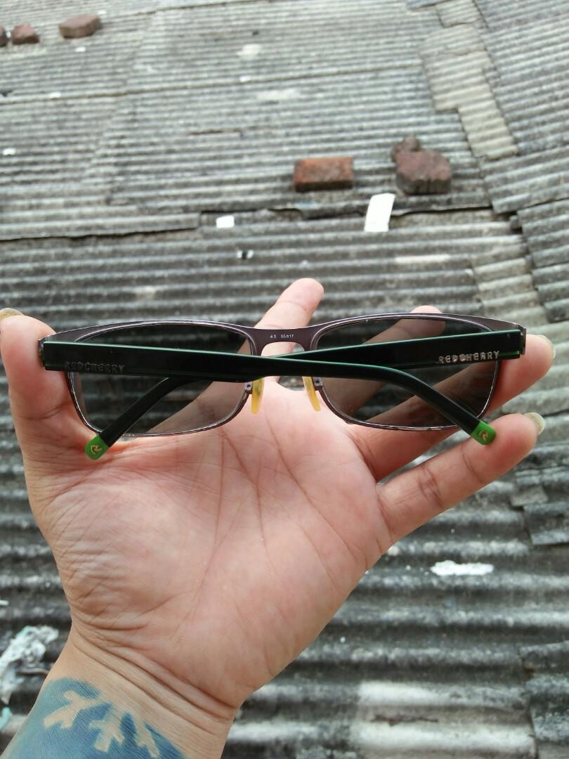 Vintage sunglasses 90s Brand: Red Cherry 55¤17 Vintage authentic Rare Frame Chrome metalic kombinasi optyle Logo brand