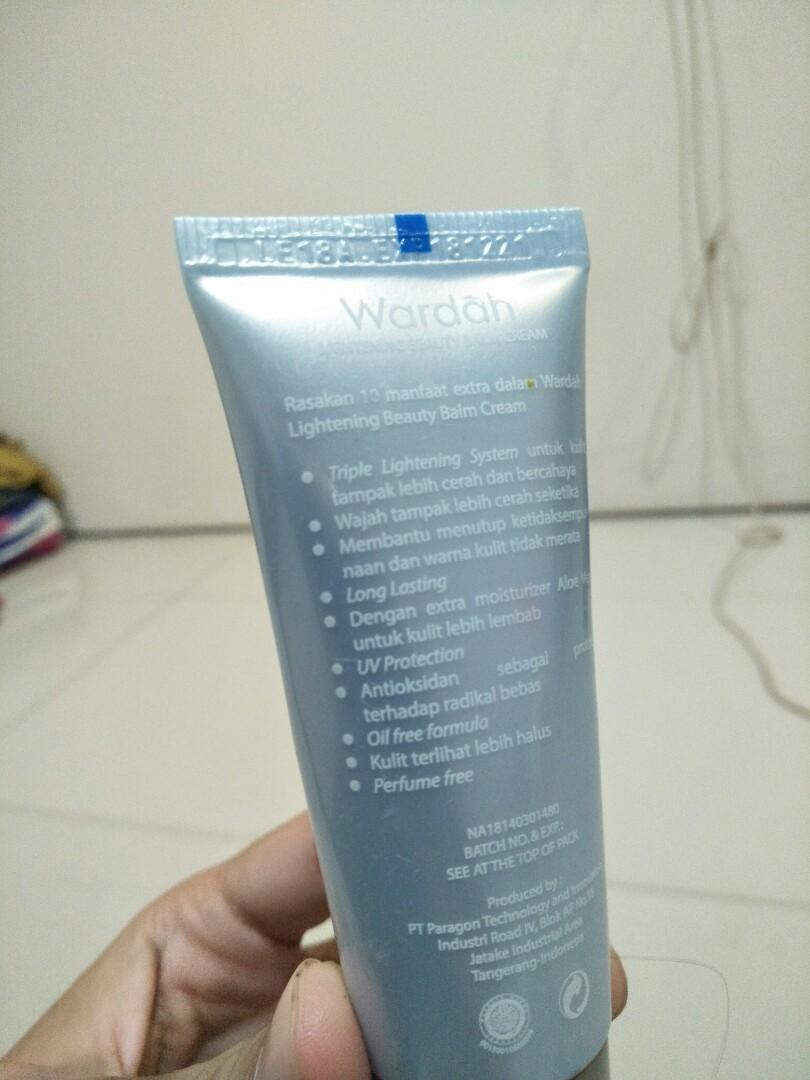 Wardah BB Cream light shade