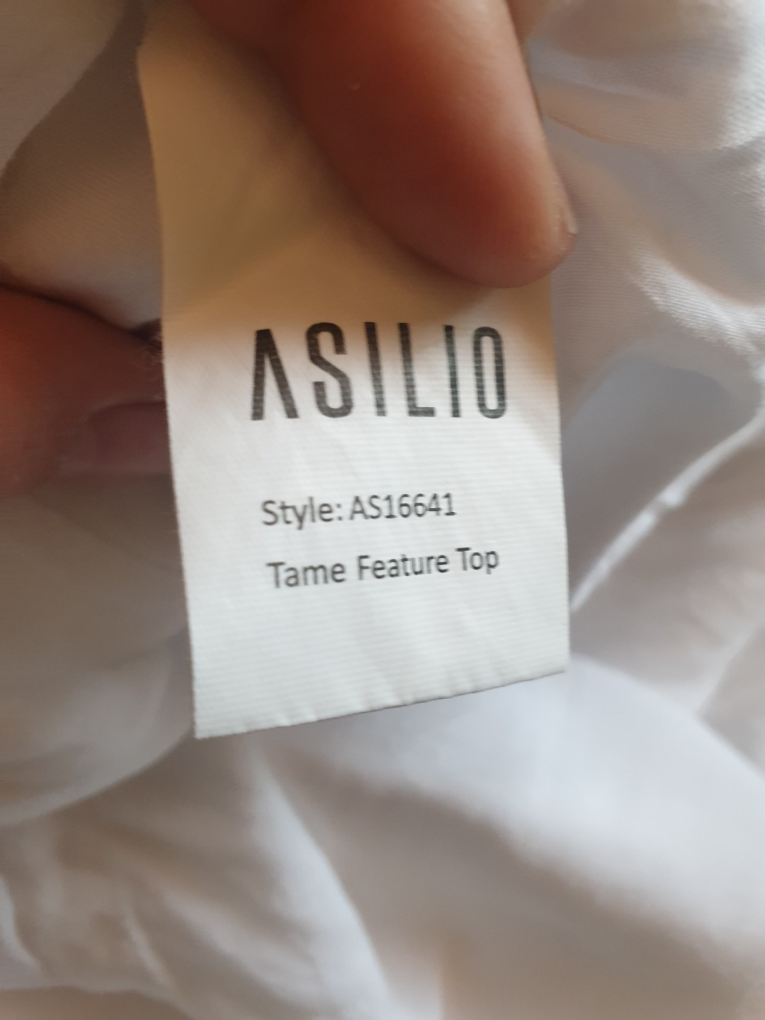 Women's size 8 'ASILIO' Stunning white tame feature top RRP $169