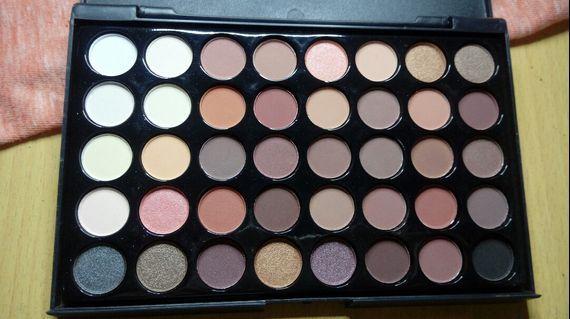 Popfeel Eyeshadow 40 warna free brush