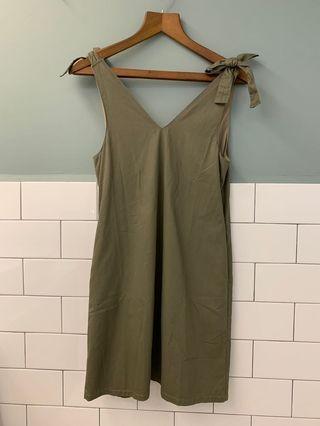 Shoulder Tie Dress in Olive Green