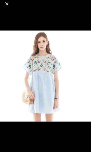 bnwt floral embroidered babydoll dress in baby blue