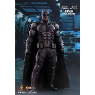 🚚 Hot Toys Justice League Tactical Suit Batman (Special Edition with Bonus Accessory)