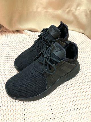 ADIDAS BLACK SNEAKERS 波鞋 UK4