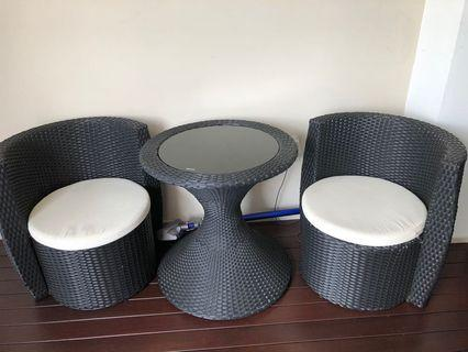 Outdoor Balcony stackable Rattan table & chairs