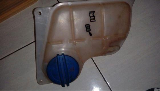 🚚 奧迪a6副水箱和蓋子