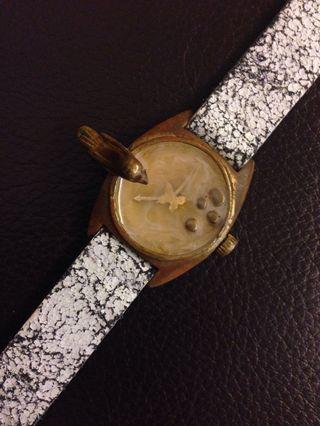 Vintage look watch look accessory