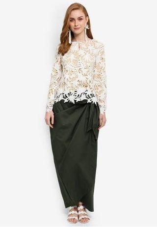 Lubna lace top with tied knot skirt XS