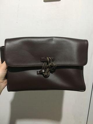 #BAPAU brown clutch