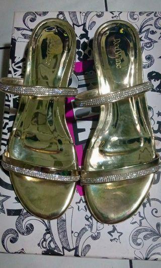 Redwine sandal