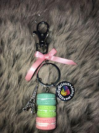 Candylicious Macaroon keychain