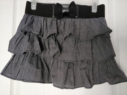 BNWT Layered skirt with a bow