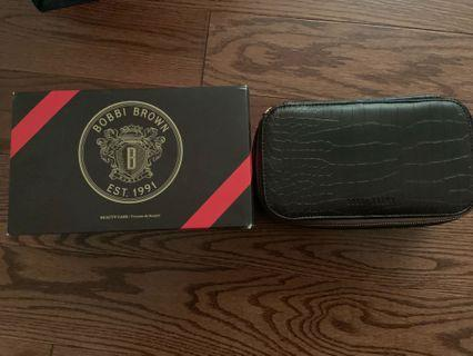 Brand new Bobbi Brown beauty case with removable inside pouch