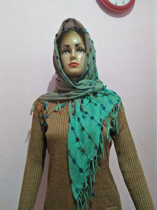 segiempat Scarf and shawl