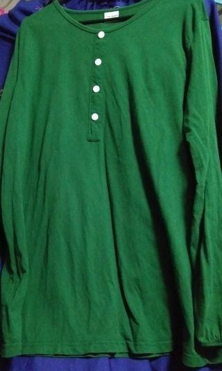 Green t shirt south china sea size 10 Free postage if u buy 2 or more items from my listing.