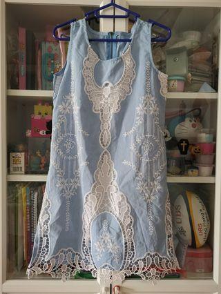 日本精緻刺繡勾花淺藍連身裙