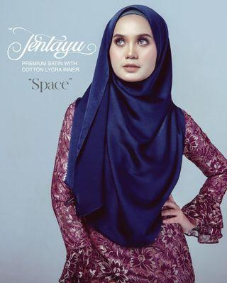 ⭐INSTOCKS Grandahlia Jentayu Shawl in Space