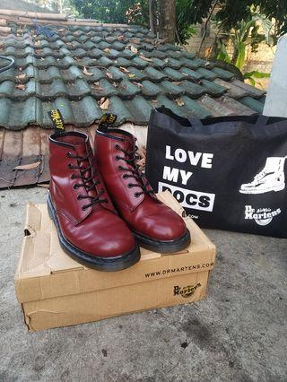 Dr Martens 101 Red Cherry