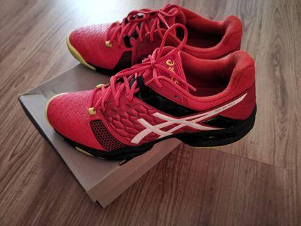 Asics gel blast badminton shoes like new US10
