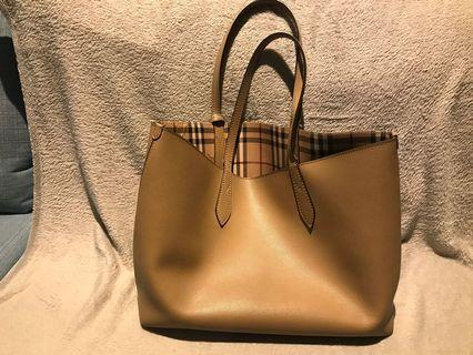 Burberry tote bag (authentic)