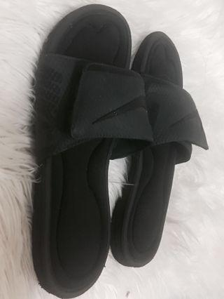 Velcro comfy Nike's