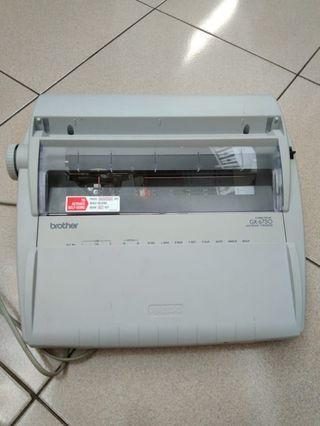Electronik typewriter GX - 6750