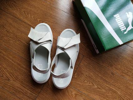 Puma platform sandal.   #mauvivo