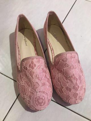 <free postage fee > something borrowed brand pink lace shoes