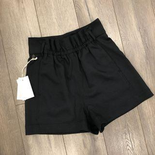BRAND NEW WILFRED LINEN SHORTS