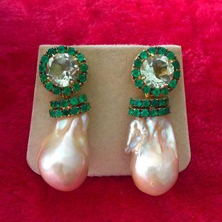 Green amethyst w green onyx n baroque pearl earrings!!
