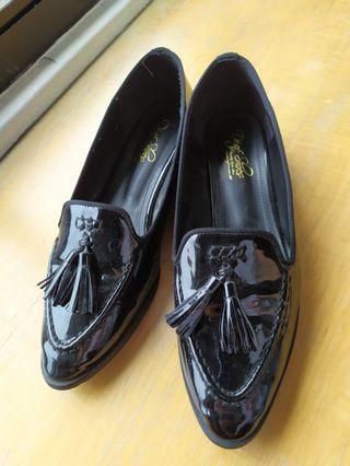 🚚 出清!黑色漆皮樂富鞋