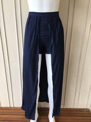 RUNAWAY (8) Shorts/Skirt