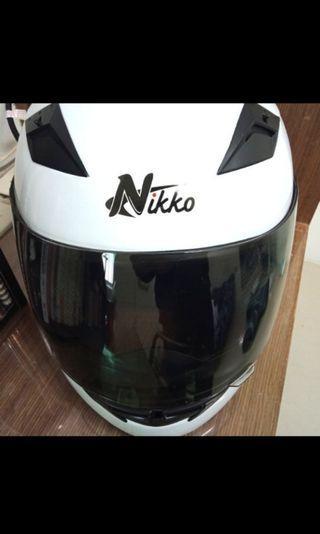 原價1600全新[Nikko]全罩式安全帽-騎士白