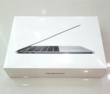"""MacBook Pro 13"""" 8gb/256 gb 2018 Touch Bar 6699 RM only"""