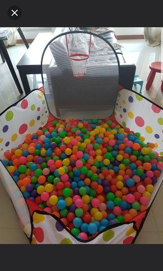 Playpen - Ball Pit with hoop + Colorful Balls
