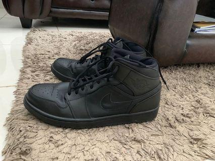Air Jordan Black (Hitam)