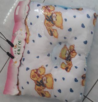 Bantal bayi / bantal peyanh