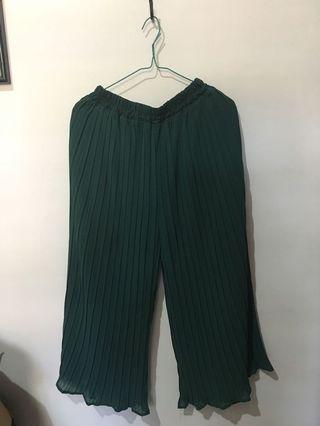 Pleated cullote green